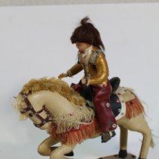 Muñecas Españolas Modernas: MUÑECA GINETE CABALLO DE SKAY. Lote 179134760