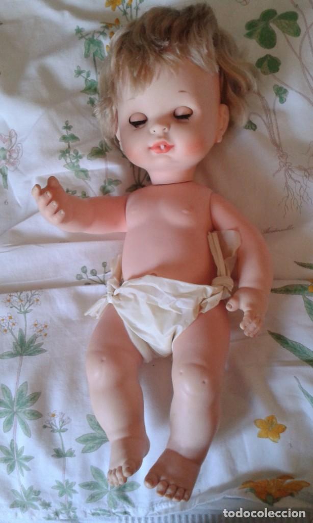 Muñecas Españolas Modernas: PRECIOSO MUÑECO ANTIGUO BABY MOCOSETE DE TOYSE. AÑOS 70. ROPA ORIGINAL - Foto 3 - 190077363