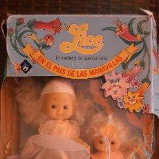 Muñecas Españolas Modernas: ANTIGUA MUÑECAS LICE LA MUÑECA QUE CAMINA BB EN EL PAIS DE LAS MARAVILLAS LANTIN CAJA JUGUETE JUEGO. Lote 190582623