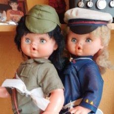 Muñecas Españolas Modernas: MUÑECAS MILITAR SIN FUNCIONAR SOLO PARA DECORAR. Lote 194281526