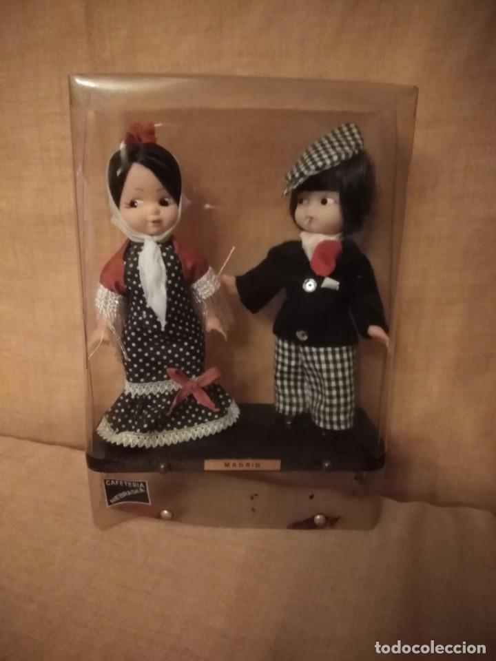 Muñecas Españolas Modernas: Pareja de muñeca regionales chulapos de Madrid antiguo. - Foto 2 - 194326520