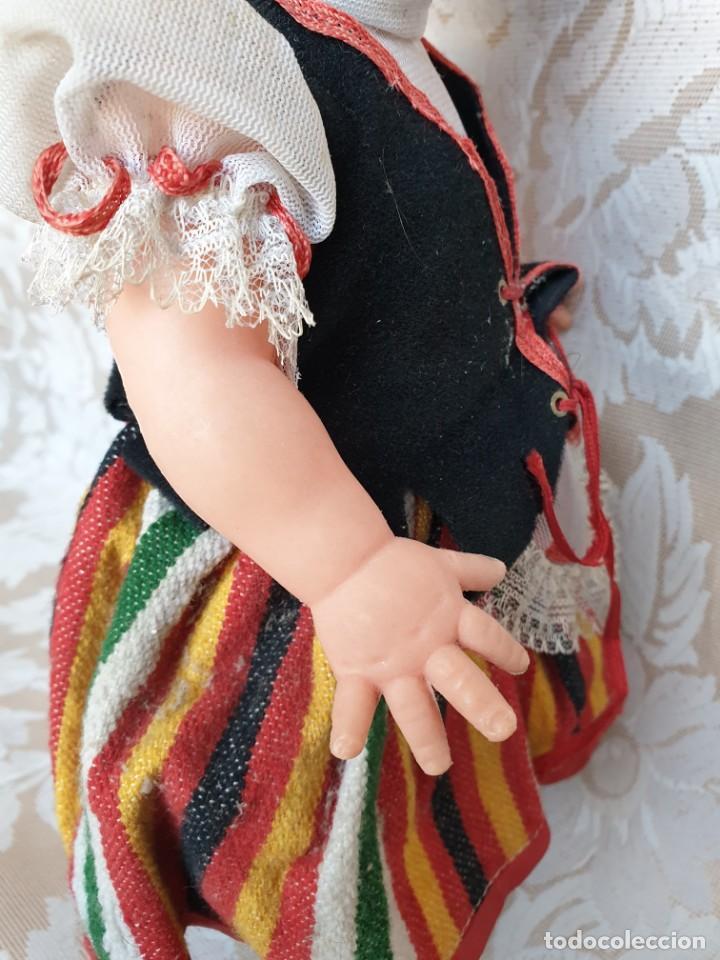 Muñecas Españolas Modernas: Muñeca con traje regional canario. 36 cm - Foto 7 - 194898827