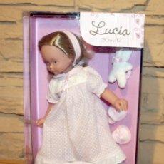 Muñecas Españolas Modernas: MUÑECA LUCIA - FABRICADA POR DISET Y LA NINA - AÑO 2012 - NUEVA A ESTRENAR - EN SU CAJA - 30CM. Lote 195429538