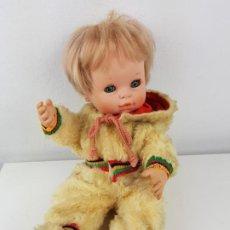 Muñecas Españolas Modernas: MUÑECO BABY MOCOSETE DE TOYSE CON CONJUNTO MONO NIEVE. Lote 195435447