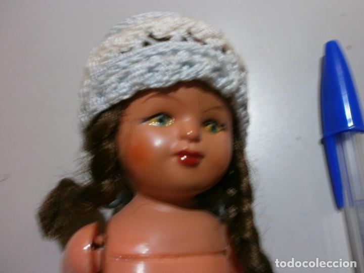 Muñecas Españolas Modernas: antigua muñeca con mecanismo de cuerda sonajero funciona - Foto 3 - 196193215