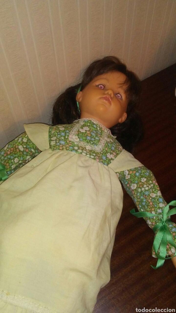 Muñecas Españolas Modernas: Preciosa muñeca de la marca DAZUCAR taller de muñecas ,mide 63cent(ver fotos y descripcion) - Foto 4 - 196223997
