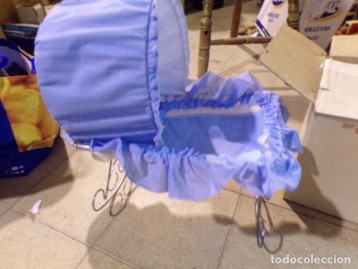 Muñecas Españolas Modernas: cuna mecedora muñeca marca daypa con su caja nueva de tienda vintage sin estrenar - Foto 4 - 206994170
