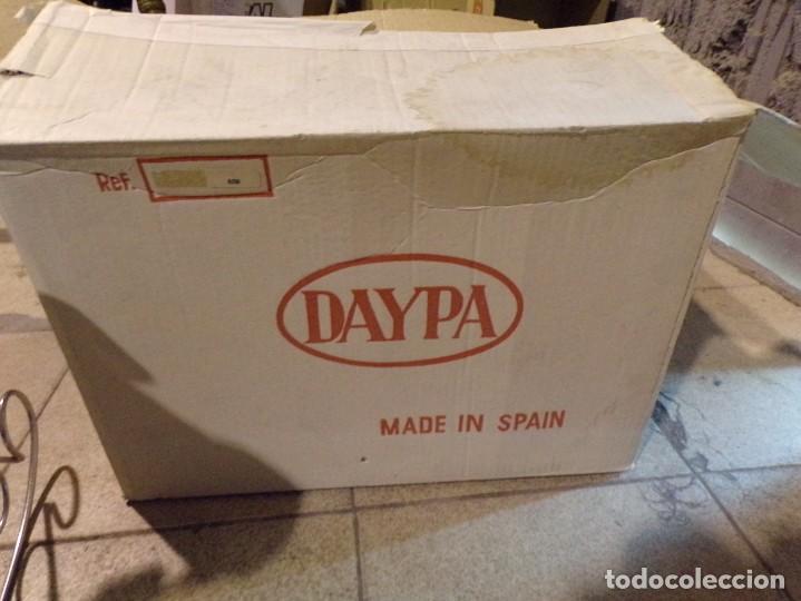 Muñecas Españolas Modernas: cuna mecedora muñeca marca daypa con su caja nueva de tienda vintage sin estrenar - Foto 5 - 206994170