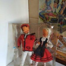 Muñecas Españolas Modernas: MUÑECAS DE ARTESANÍA CONCHITA ASENJO AÑOS 60. Lote 209829420