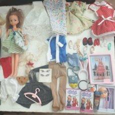Bonecas Espanholas Modernas: CHABEL LOTE 2 MUÑECAS VESTIDOS Y ACCESORIOS. Lote 210181211