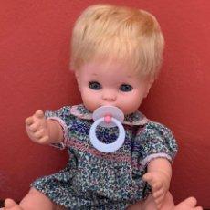 Muñecas Españolas Modernas: BABY MOCOSETE ORIGINAL TOYSE, AÑOS 70, CON CHUPETE Y DOS INDUMENTARIAS.. Lote 210324847