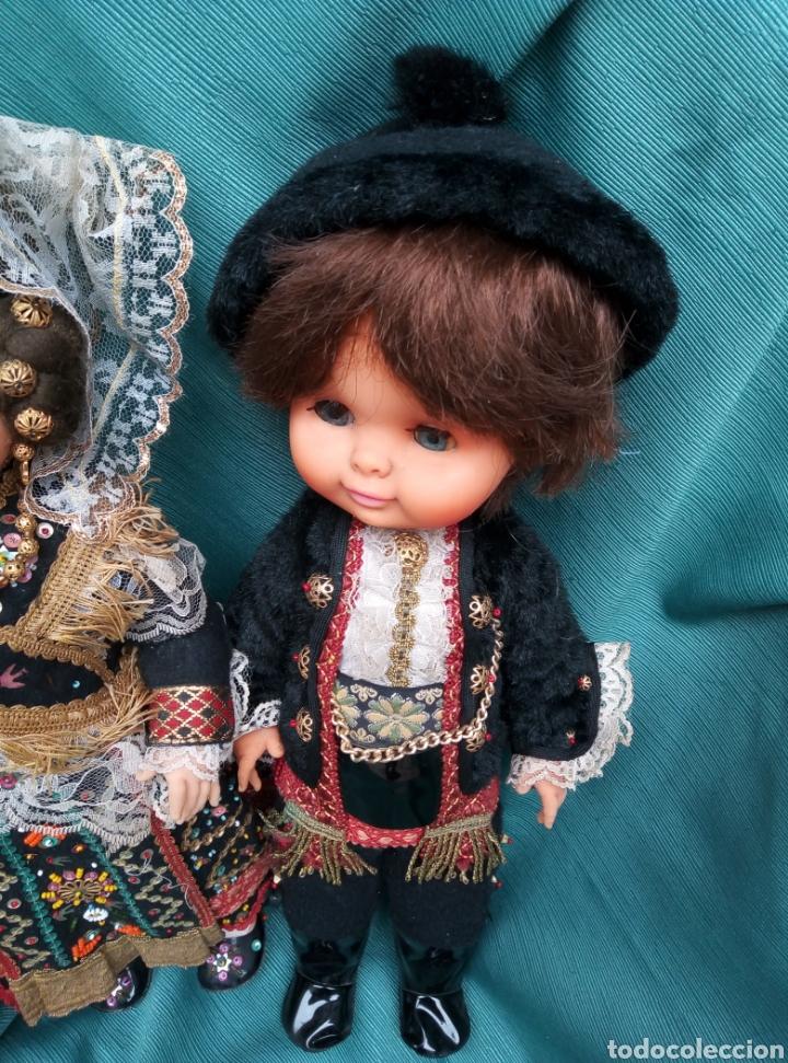 Muñecas Españolas Modernas: Pareja de muñecos vestidos de carros. - Foto 3 - 211454276