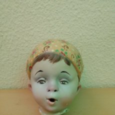 Muñecas Españolas Modernas: TROZO DE FALLA REPRESENTANDO UN NIÑO FALLERO. Lote 211517959