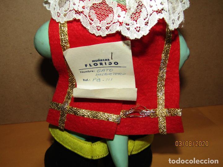 Muñecas Españolas Modernas: Antiguo Gato con Botas Mosquetero Serie PANDA BLANDA de Muñecas FLORIDO a Estrenar - Año 1960s. - Foto 5 - 213534122