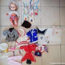 Muñecas Españolas Modernas: LOTE BABY MOCOSETO CON COMPLEMENTOS Y DEMÁS VESTIDOS. Lote 214635260