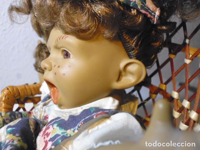 Muñecas Españolas Modernas: MUÑECA TIPO GESTITOS, IMITACIÓN DANTON JOS. CON SILLA MIMBRE. - Foto 17 - 216708345
