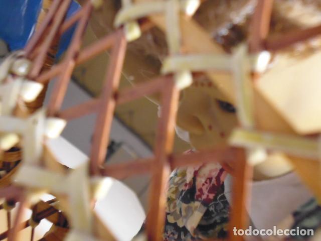 Muñecas Españolas Modernas: MUÑECA TIPO GESTITOS, IMITACIÓN DANTON JOS. CON SILLA MIMBRE. - Foto 23 - 216708345