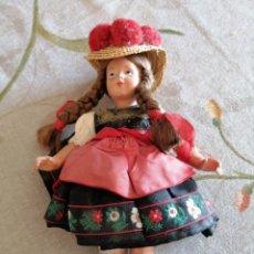 Muñecas Españolas Modernas: MUÑECA CON TRAJE REGIONAL. Lote 222844083
