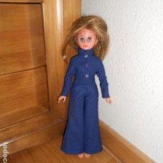 Muñecas Españolas Modernas: MUÑECA LISSI / LISSY DE GUILLEM Y VICEDO AÑOS 70 0RIGINAL MONO AZUL. Lote 223458385