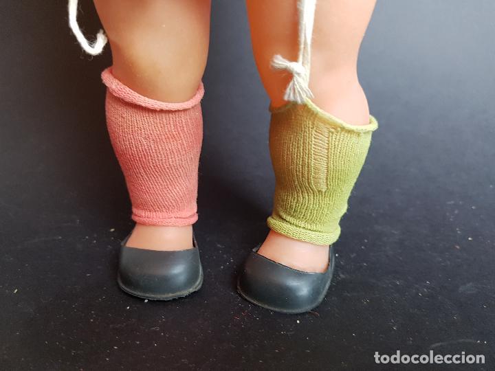 Muñecas Españolas Modernas: muñeca pipi calzas largas años 70 - Foto 3 - 223641093