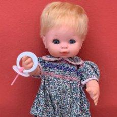 Muñecas Españolas Modernas: BABY MOCOSETE ORIGINAL TOYSE, AÑOS 70, CON CHUPETE Y DOS INDUMENTARIAS. Lote 224531238