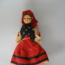 Muñecas Españolas Modernas: PEQUEÑA MUÑECA GALLEGUITA CELULOIDE OJOS DURMIENTES AÑOS 70. Lote 43924577