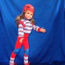 Bambole Spagnole Moderne: BB - ANTIGUA MUÑECA JENNY CON SU MONOPATÍN VER FOTOS! SM. Lote 230030855