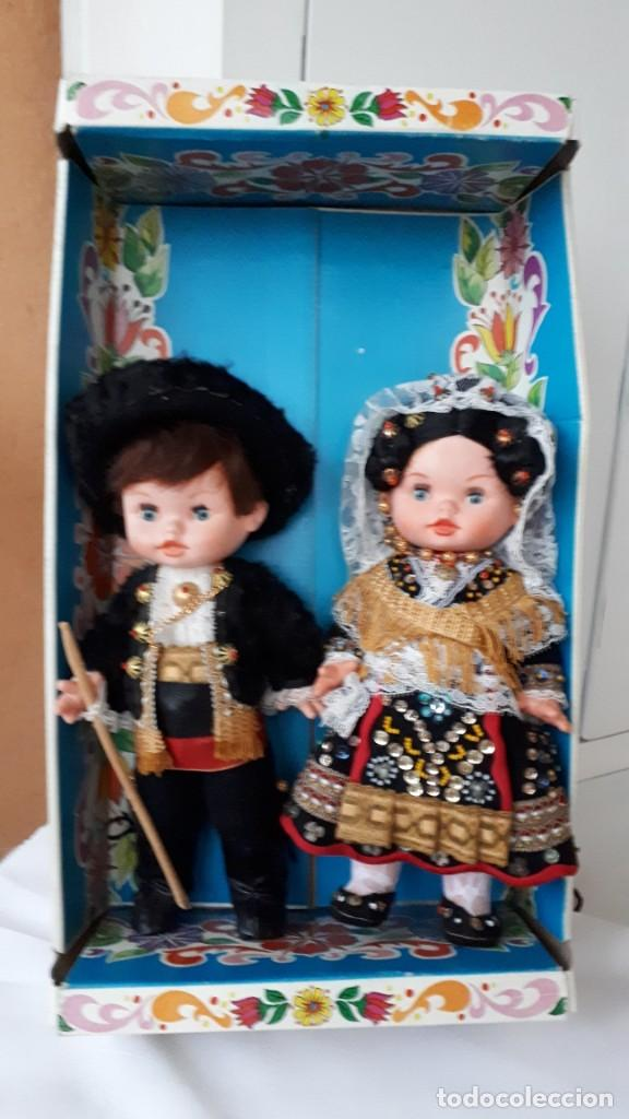 PAREJA DE MUÑECOS REGIONALES AÑOS 70 (Juguetes - Otras Muñecas Españolas Modernas)