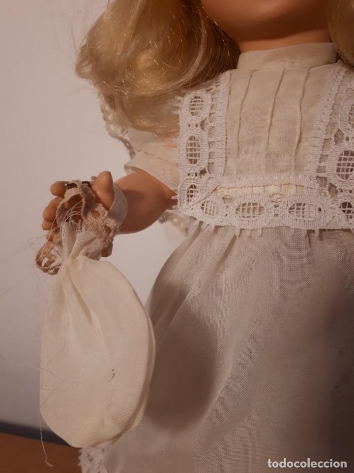 Muñecas Españolas Modernas: MUÑECA DE COMUNIÓN ORIGINAL AÑOS 70 - Foto 3 - 233892495