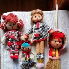 Muñecas Españolas Modernas: LOTE 5 MUÑECAS DE TRAPO, ESPARTO, LANA, CUERDA, FIELTRO. AÑOS 70.. Lote 235303410