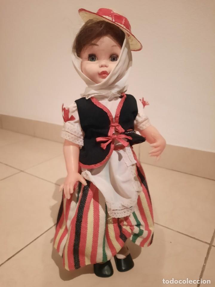 MUÑECA CON TRAJE TÍPICO CANARIO, TRAJE DE MAGA (Juguetes - Otras Muñecas Españolas Modernas)