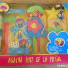 Muñecas Españolas Modernas: MUÑECA AGATHITA. DE AGATHA RUIZ DE LA PRADA. MUCHAS CARITAS. PON Y QUITA SUS VESTIDOS. NUEVO. FAMOSA. Lote 236586545