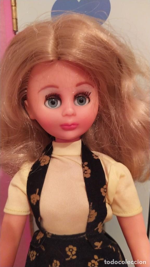 Muñecas Españolas Modernas: Muñeca LISSI de Guillén y Vicedo años 70, ropa original muy bien conservada, pelo perfecto. Lissy - Foto 2 - 248640565
