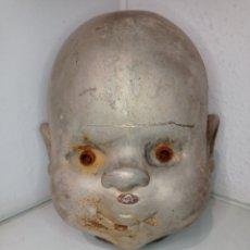 Muñecas Españolas Modernas: MOLDE DE NÍQUEL DE CABEZA DE MUÑECA POCAS PECAS DE FEBER, FAMOSA. AÑO 1992. MUÑECA GRANDE DE 70 CM. Lote 252561330