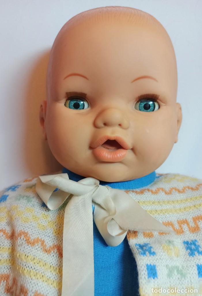 Muñecas Españolas Modernas: Muñeco bebe de Jesmar años 70 funcionando de 57 cm - Foto 4 - 263003990