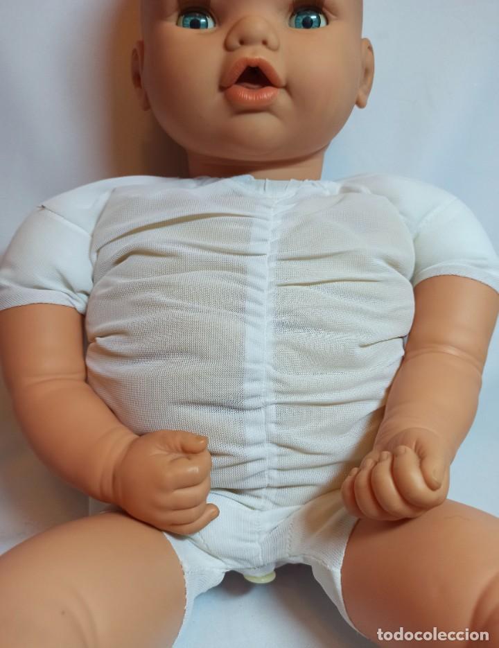 Muñecas Españolas Modernas: Muñeco bebe de Jesmar años 70 funcionando de 57 cm - Foto 8 - 263003990
