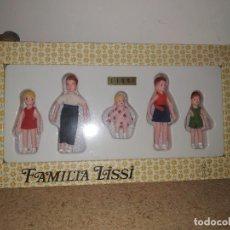 Muñecas Españolas Modernas: LISSI : ANTIGUO JUEGO / JUGUETE DE LA FAMILIA LISSI EN CAJA REF. 82 GUILLEM Y VICEDO AÑOS 60 / 70. Lote 263693285