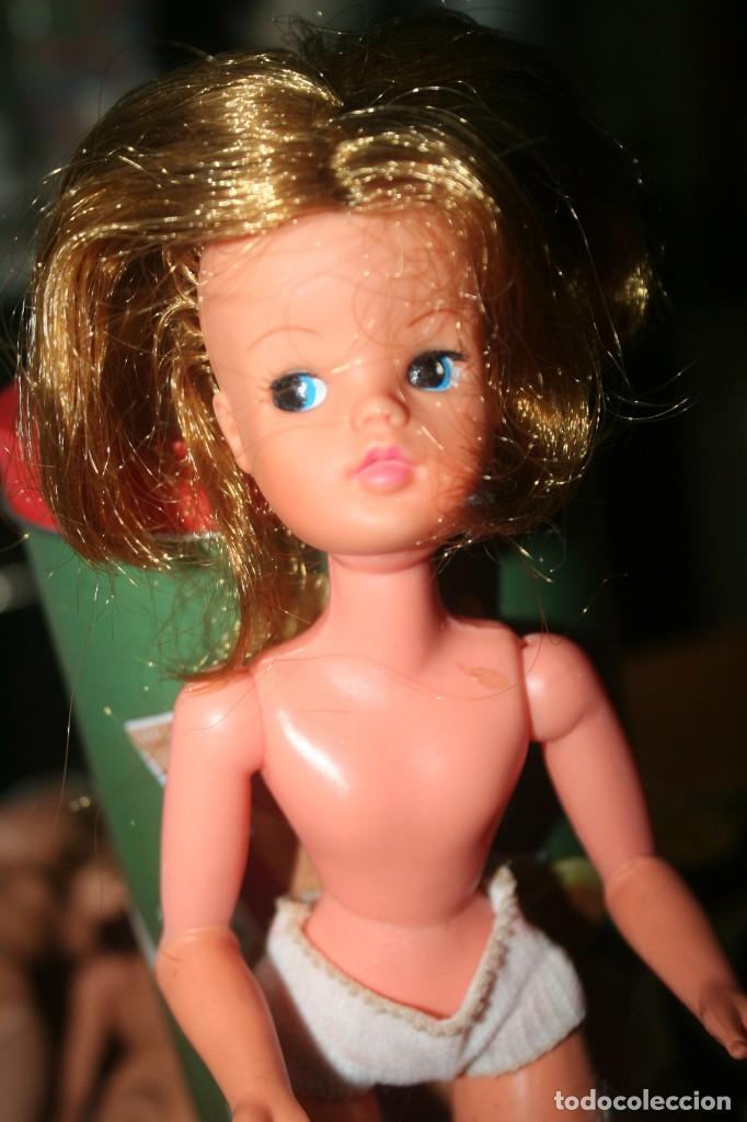 Muñecas Españolas Modernas: muñeca sindy con vestido original muñeca barbie - Foto 2 - 268718389