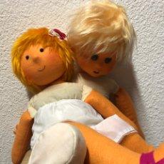 Muñecas Españolas Modernas: MUÑECAS DE FIELTRO SIN ROPA PERO EN PERFECTO ESTADO.. Lote 269382023