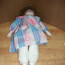 Bonecas Espanholas Modernas: MUÑECA DE PORCELANA DE LA CASA FANAS. Lote 273463778