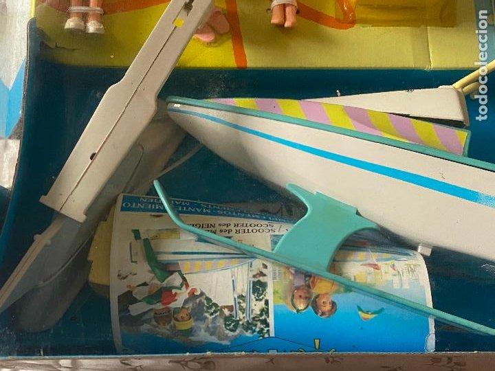 Muñecas Españolas Modernas: Chabel y Danny Sol y Nieve Conjunto Set con moto acuática – trineo 1989 Feber Nuevo en caja - Foto 12 - 278693158