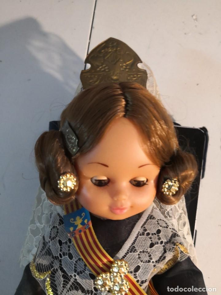 Muñecas Españolas Modernas: Bonita muñeca 30 ctmos de la prestigiosa marca FOLK con traje de FALLERA años 60-70 - Foto 2 - 284358618
