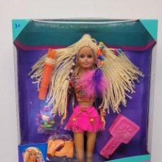 Bonecas Espanholas Modernas: MUÑECA SINDY MELENAS CONTAS E ESTILO. Lote 288401538