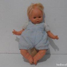 Muñecas Españolas Modernas: MUÑECA VICMA, MADE IN SPAIN, AÑOS 80. Lote 292238868