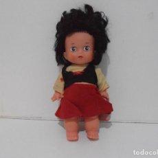 Muñecas Españolas Modernas: MUÑECA HEIDI, MADE IN SPAIN, AÑOS 80. Lote 292239408