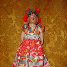 International Dolls - MUÑECA ANTIGUA CON CABEZA DE CARTON PIEDRA - 3794543