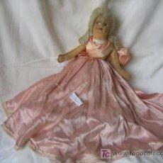 Muñecas Extranjeras: PRECIOSA MUÑECA DE TRAPO FRANCESA. HACIA 1900. Lote 30645971