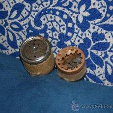 Muñecas Extranjeras: 2 ANTIGUOS LLORONES DE MUÑECAS. Lote 173897448