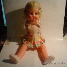 International Dolls - LA PORTA ANTIGUA MUÑECA PLASTICO DURO DISPOSITIVO DE OJOS - 24123275