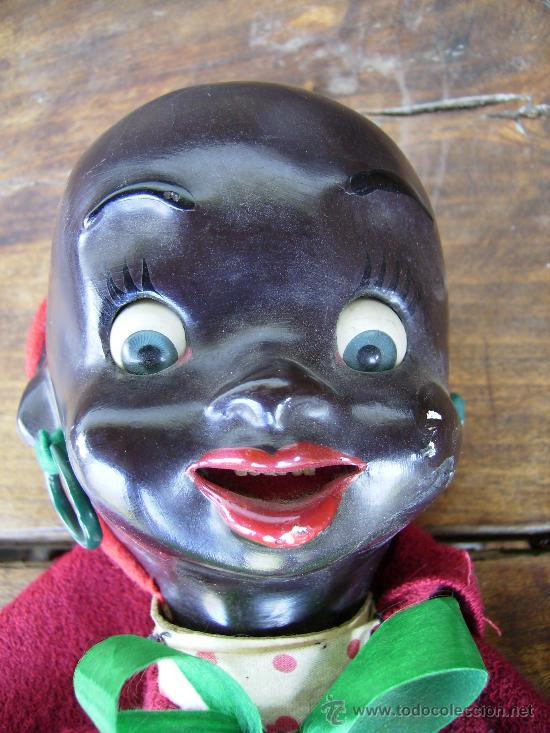 Muñecas Extranjeras: preciosa muñeca de carton años 40 para colgar bebe negrita con capucha 23cms - Foto 4 - 26817322